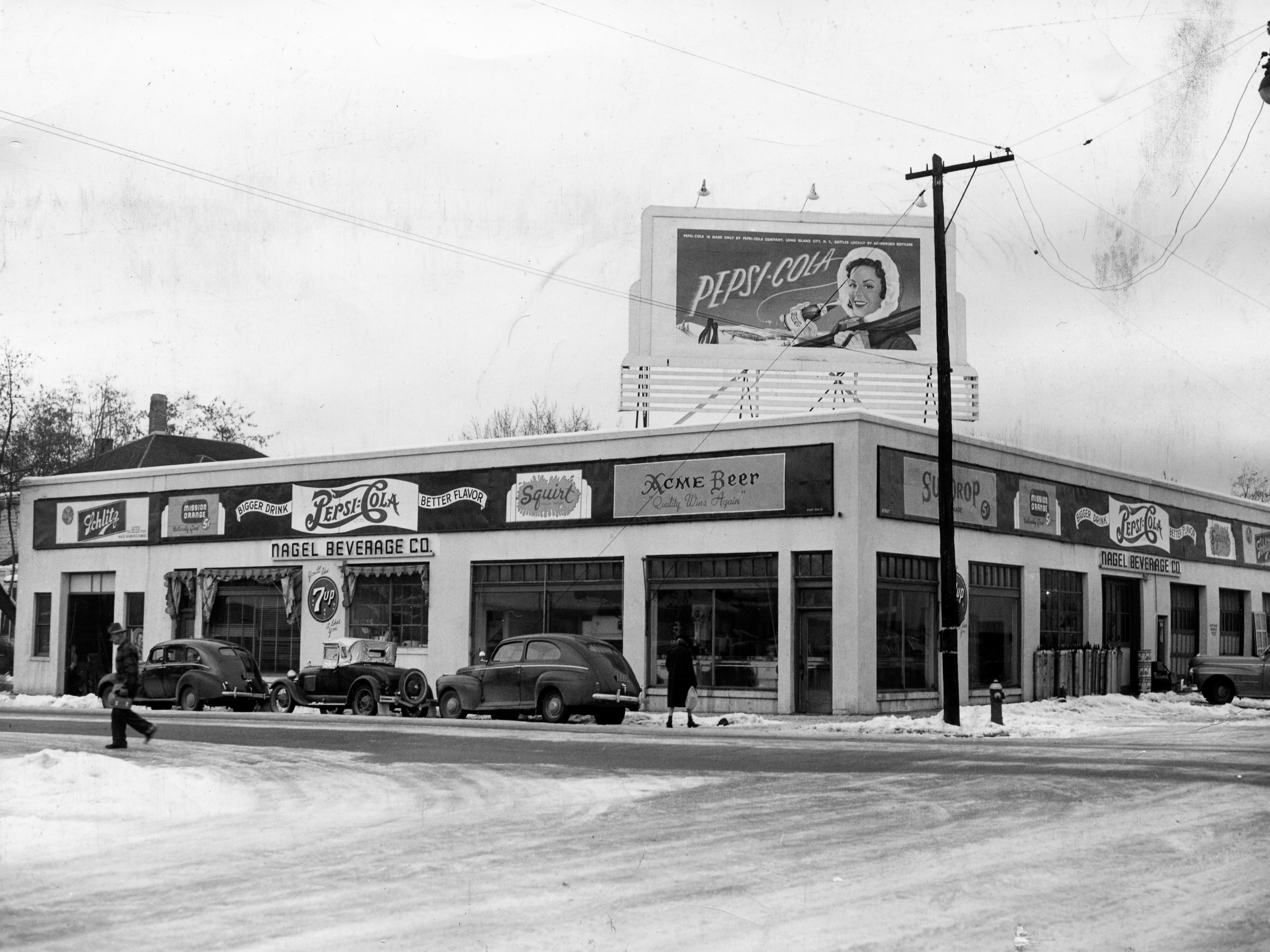 13th and Main Streets, about 1935 . . .